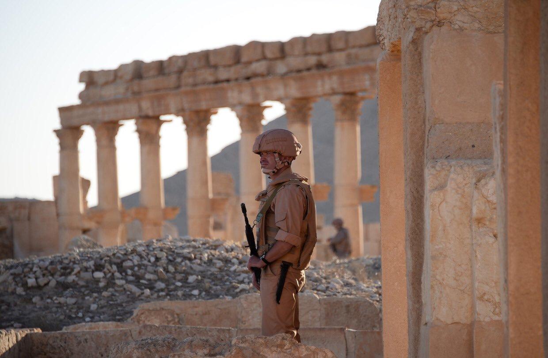 «Непобедимая Пальмира» глазами военного фотографа