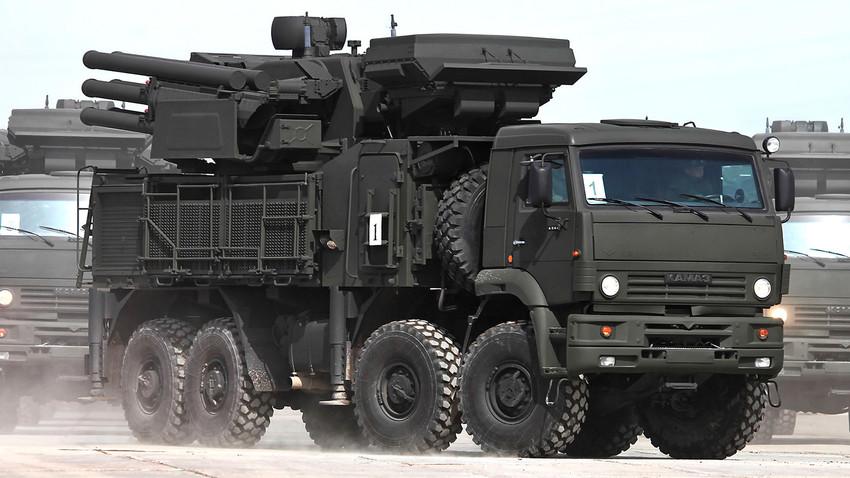 Крымские соединения ПВО усилят комплексами «Панцирь-С» и С-400
