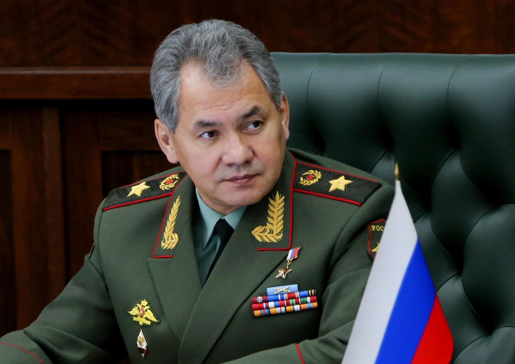 Сергей Шойгу поздравил военных и ветеранов с Днем Победы