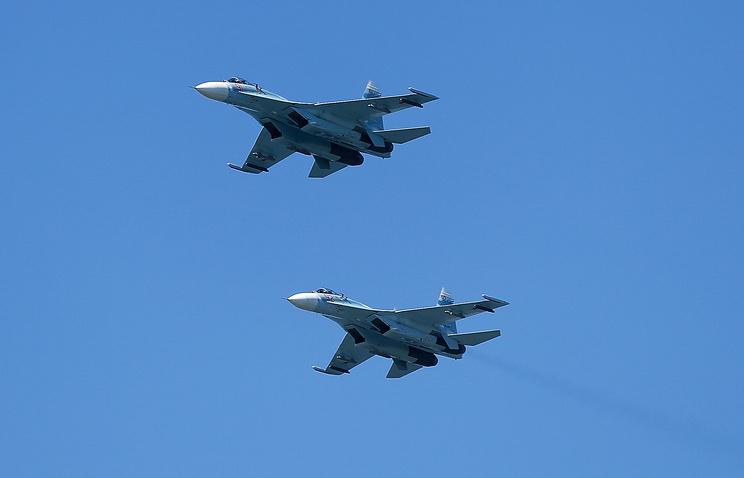 Девять иностранных самолетов вели разведку у границ РФ