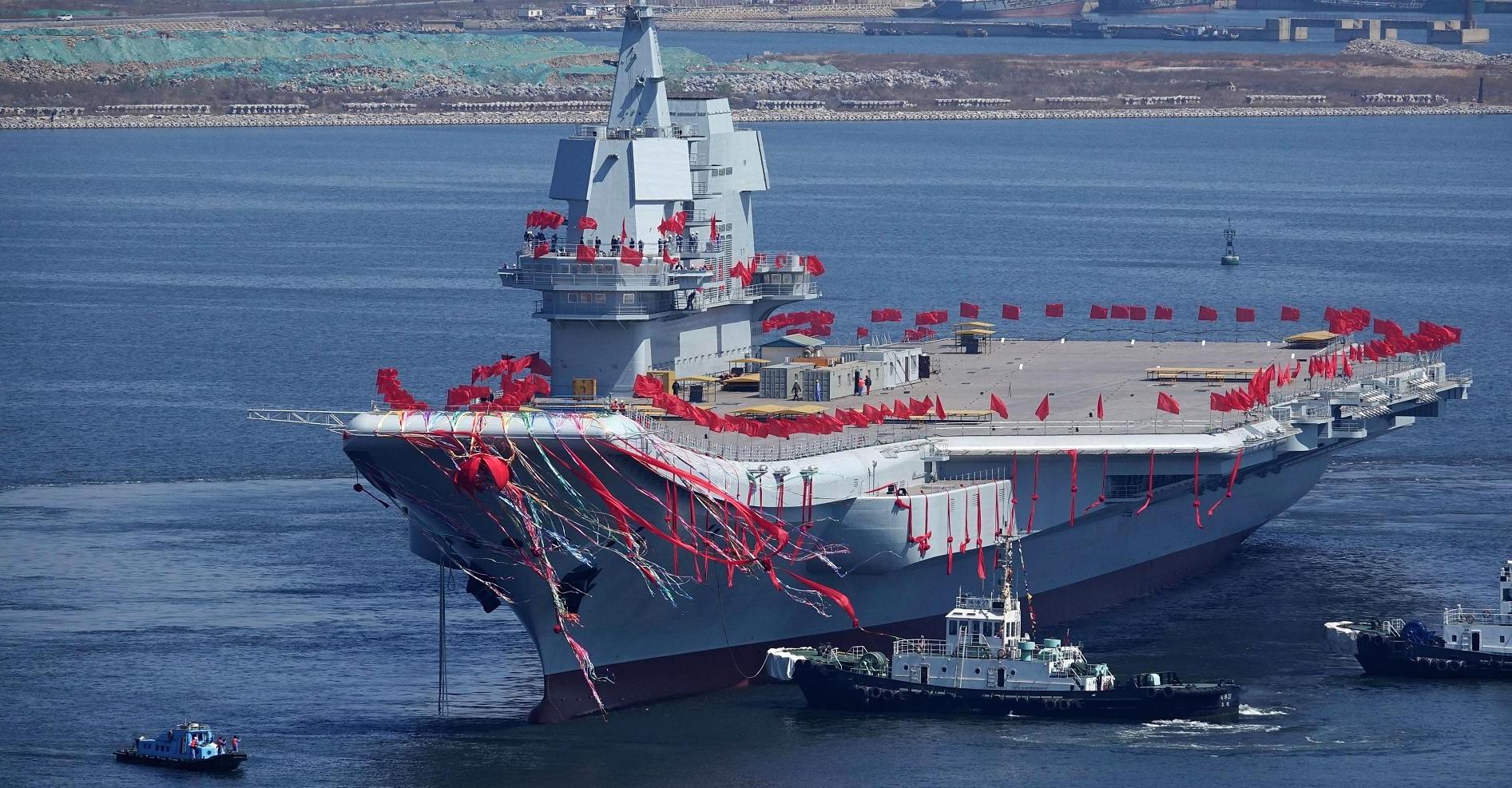 Китай испытал первый авианосец собственного производства