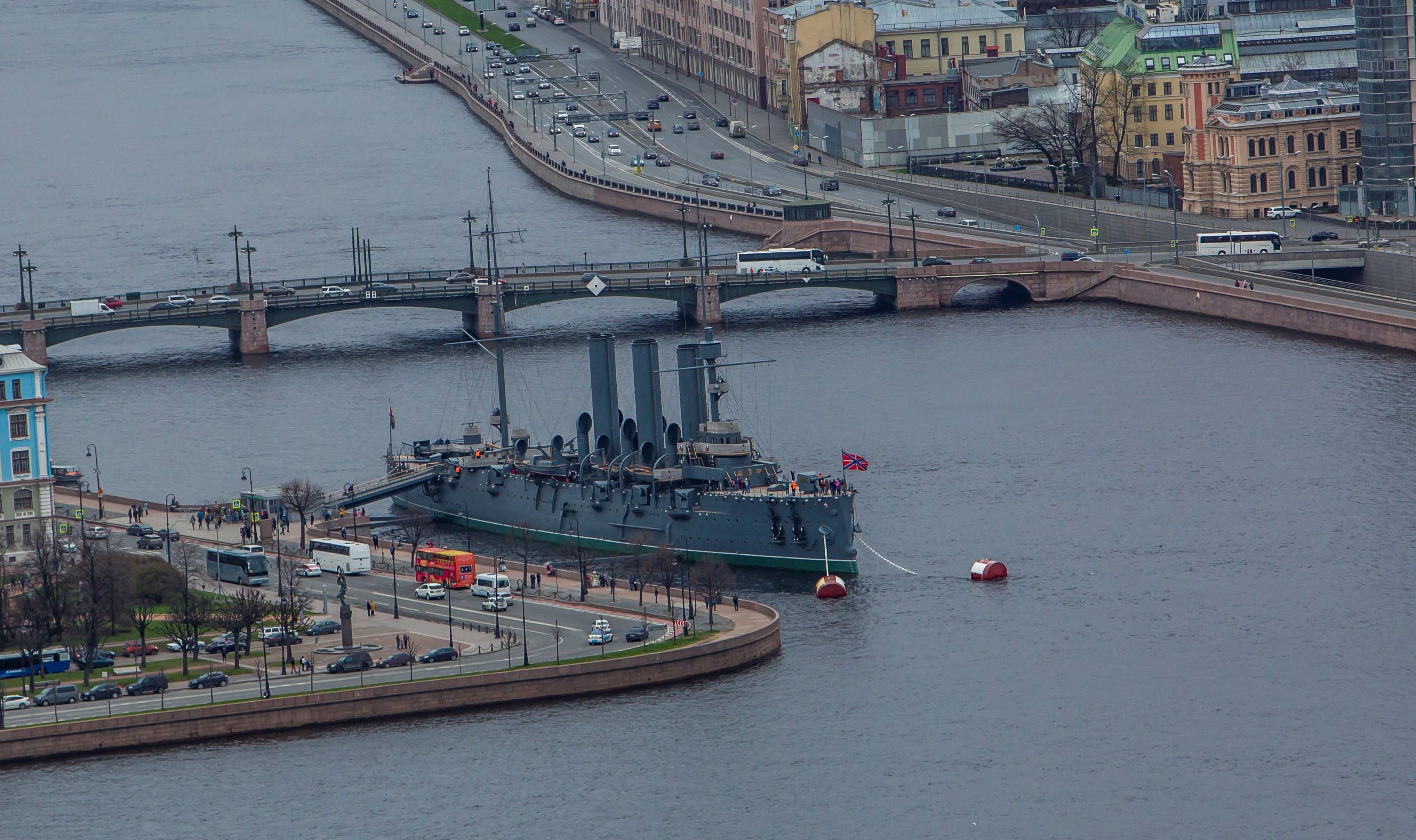 Легендарному крейсеру «Аврора» исполнилось 118 лет