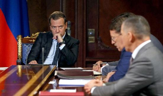 Дмитрий Медведев: новые санкции можно сравнить с объявлением экономической войны