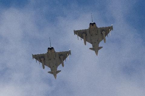 Британия подняла истребители над Черным морем для «перехвата» российских самолетов