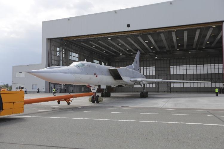 Новый ракетоносец Ту-22М3М показали в Казани