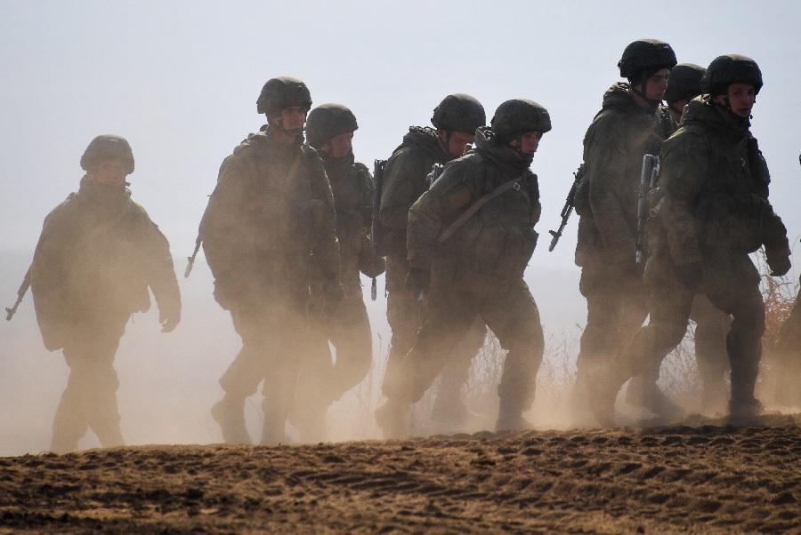 Владимир Путин объявил внезапную проверку боеготовности двух военных округов