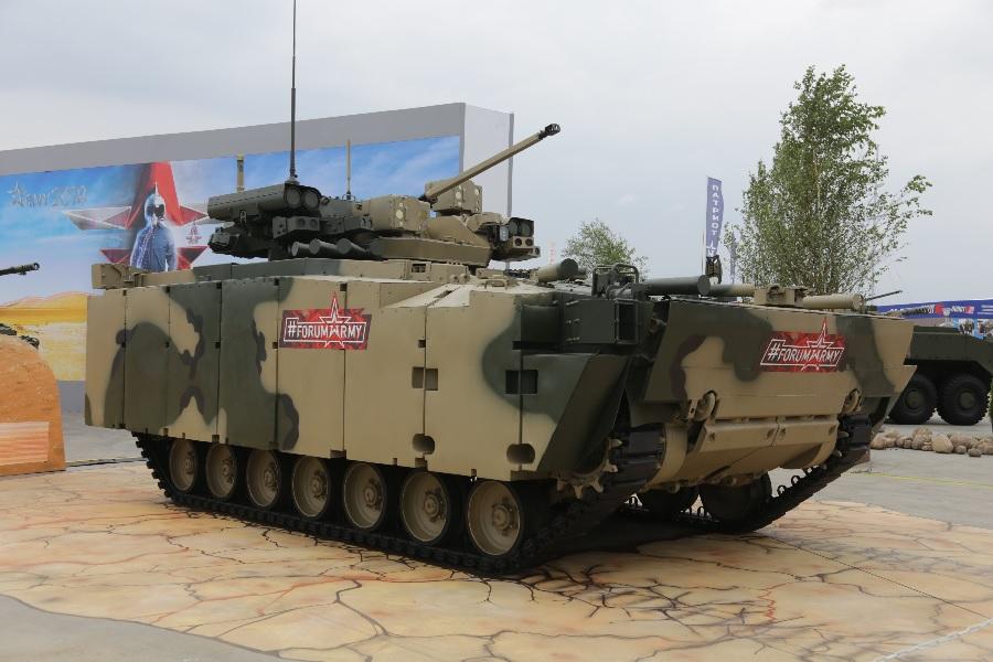 Курганмашзавод представил опытные образцы боевой машины пехоты на унифицированной платформе «Курганец-25»