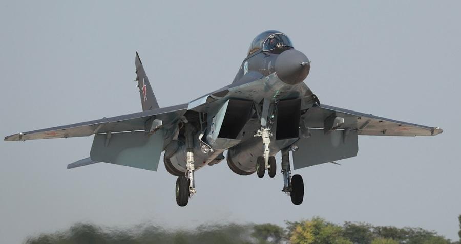 Российские самолеты нанесли удары по объектам террористов в Идлибе