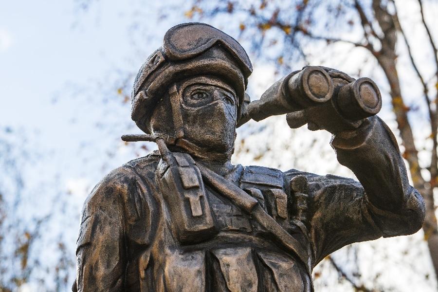 Памятник военным разведчикам открыли в Нижнем Новгороде