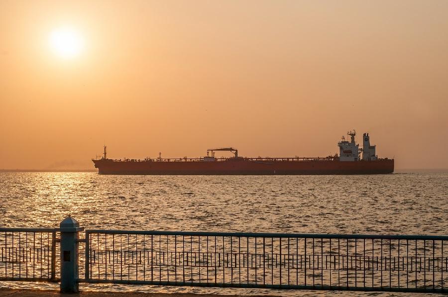 В Персидском заливе начались нападения на танкеры