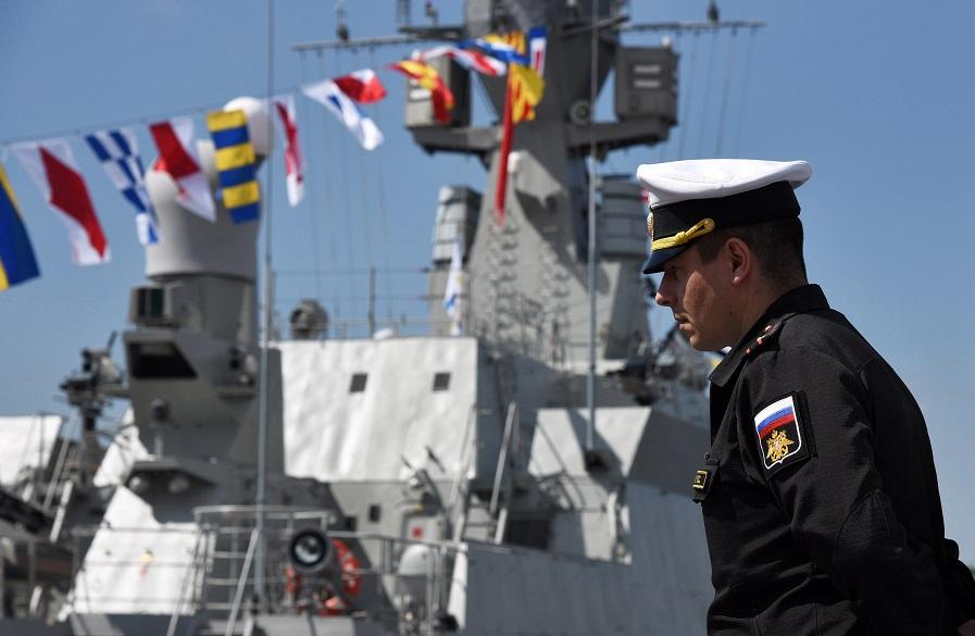 От регаты до фрегатов: Петербургский военно-морской салон