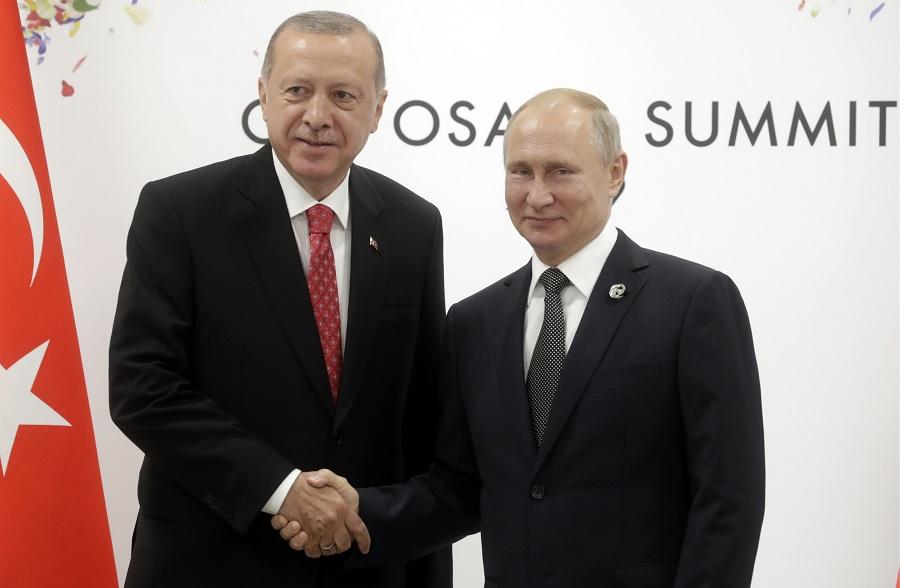 NI: американские санкции еще больше подтолкнут Турцию к России