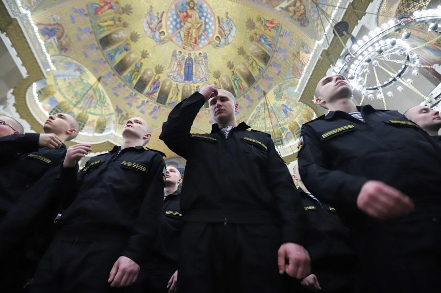 Военные моряки встретили Рождество в Главном морском соборе в Кронштадте