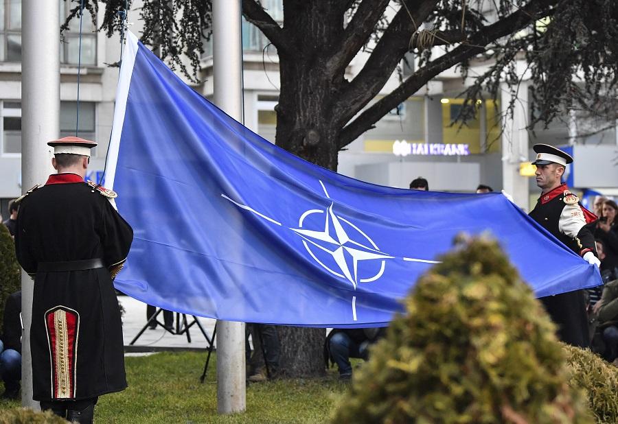 НАТО не доверяют