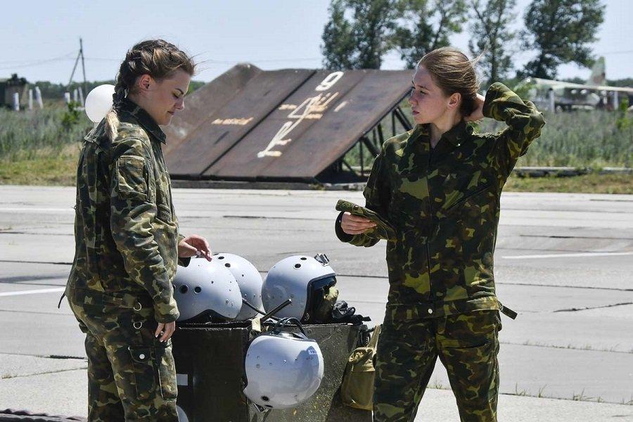Девушки-курсанты летного Краснодарского училища приступили к полетам