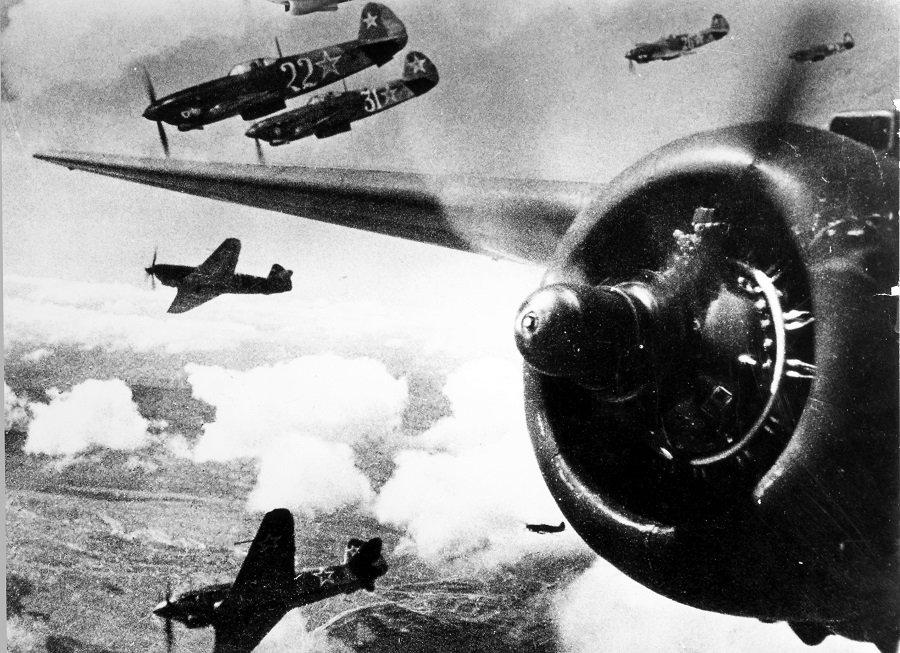 Первые воздушные тараны Великой Отечественной войны