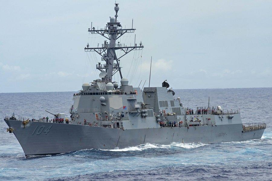 Горячие воды Балтийского моря: эсминец США приблизился к границам России
