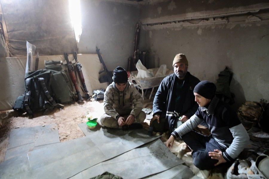 «Химичат» провокацию: в Сирии боевики приготовились к атаке отравляющими веществами