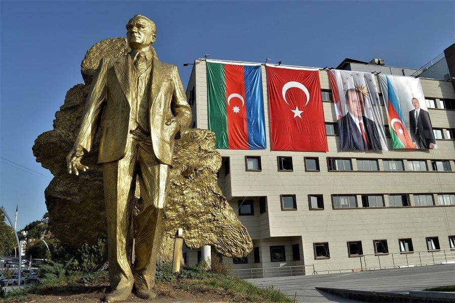Туркам снятся «османо-имперские сны»