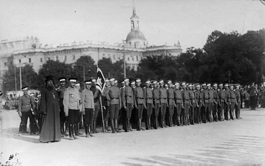 19 февраля – 310 лет первым штатам России