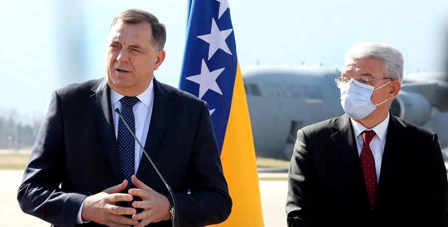 Кто перекраивает карту Западных Балкан?