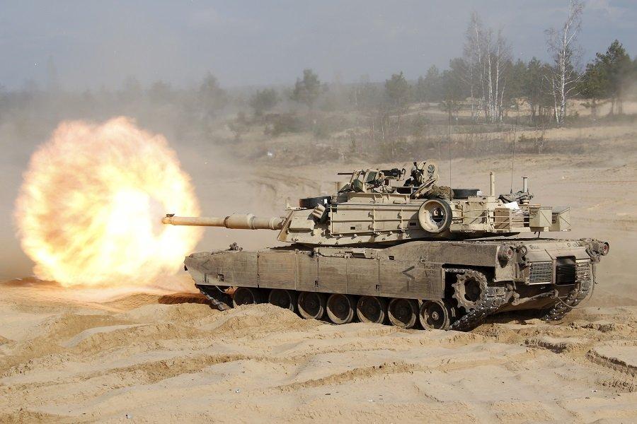 США разместили вблизи Сербии крупный контингент с танками и бронетехникой