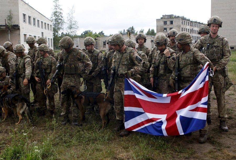 После драки кулаками не машут: солдаты НАТО ни в чем не виноваты