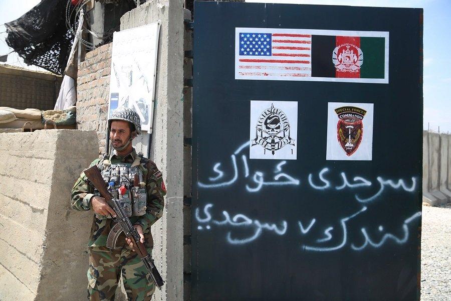 США покинут Афганистан раньше срока и отправят в регион авианосец