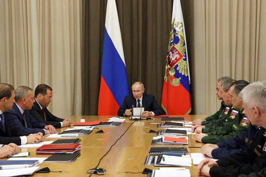 Владимир Путин: армия должна быть компактной и эффективной