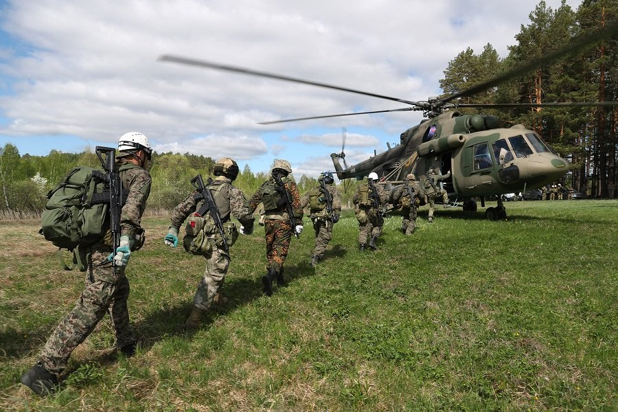 Симметричный ответ: Россия в противовес Западу укрепляет свои рубежи