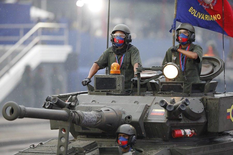 Венесуэла продемонстрировала свою военную технику на двух грандиозных парадах в Каракасе и Карабобо.