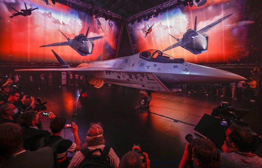 «МАКС 2021»: «шах и мат» новейшим истребителем «пятого поколения», многоцелевой лайнер с отечественными двигателями и вертолёты-беспилотники