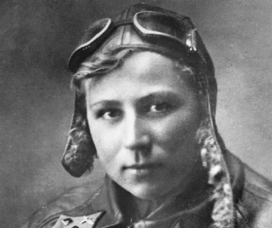 На смерть во имя победы: 80 лет бессмертному подвигу лётчицы Е.И. Зеленко