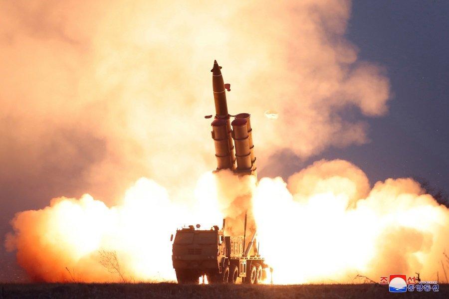 КНДР проводит серию испытаний баллистических и крылатых ракет — гонка вооружений на корейском полуострове набирает обороты