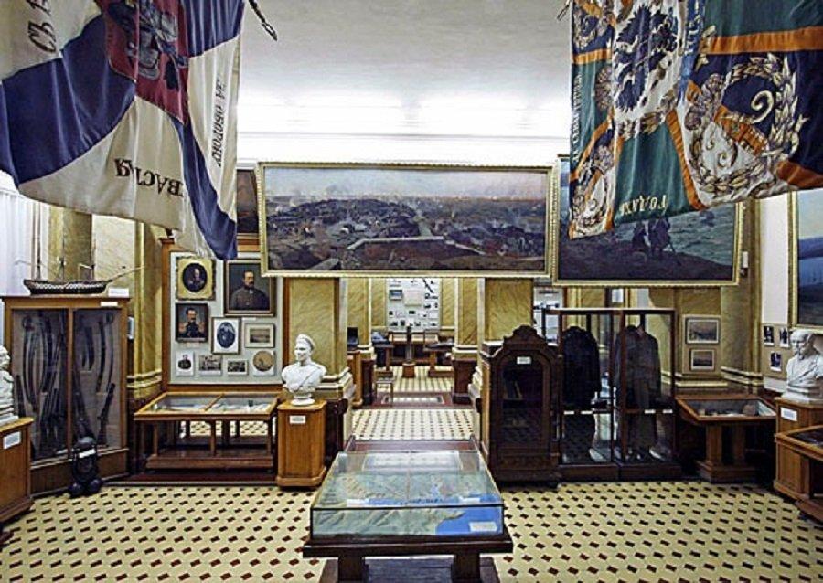 Первый и самый уважаемый в городе — годовщина открытия музея Черноморского флота в Севастополе