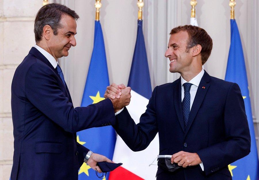 Франция пытается компенсировать моральный и материальный ущерб от потери крупного оборонного контракта с Австралией. Греция торопится на помощь